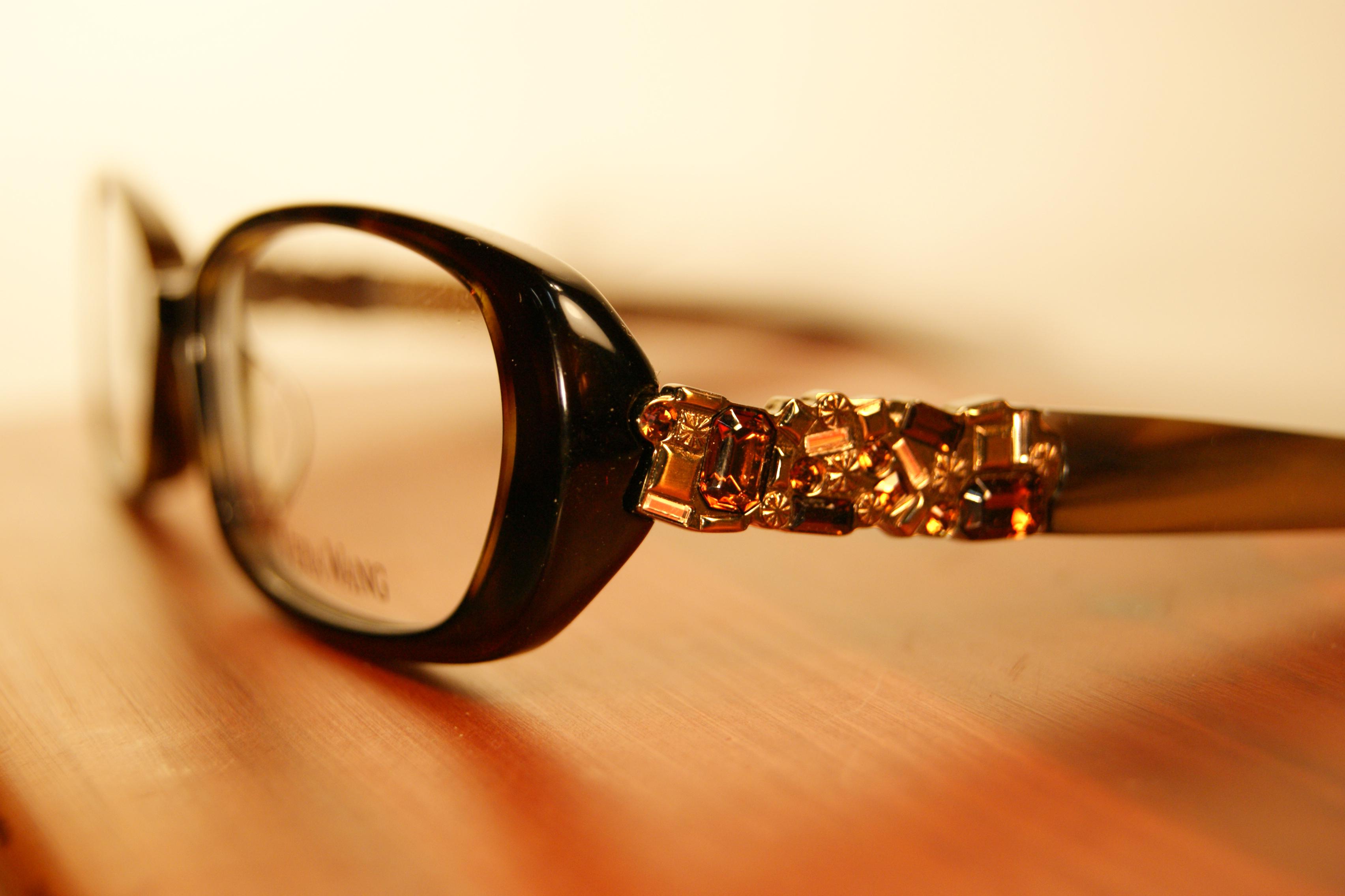 Vera Wang   Modern Luxury   Haddonfield Eyewear